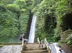 munduk-wasserfall-trekking