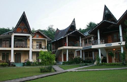 Hotel am Tobasee.