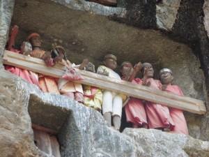 Die Felsengräber der Tana Toraja