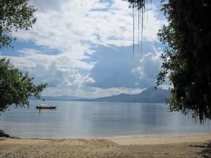 Strand auf Bunaken.