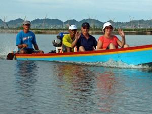 Bootstour auf dem Tempesee in Sengkang.
