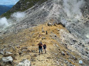 Gipfel des Vulkan Sibayak im Karoo Hochland