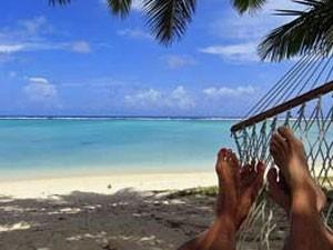 Entspannung in der Hängematte am Strand von Cupadak.