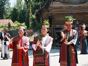 Frauen des Batak Stammes auf Samosir.