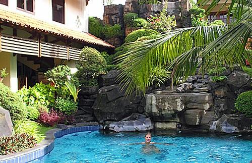Hotelpool in Yogyakarta.