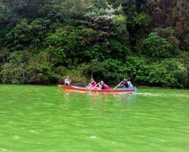 Mit dem Kanu zum Dorf Trunyan