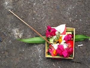 Buntes Opfergaben auf Bali