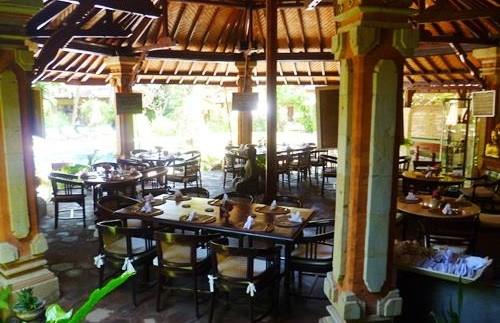 Restaurant in der Unterkunft in Lovina