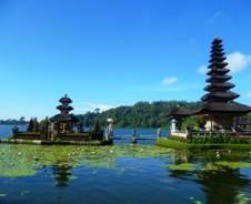 Munduk und der Tempelsee