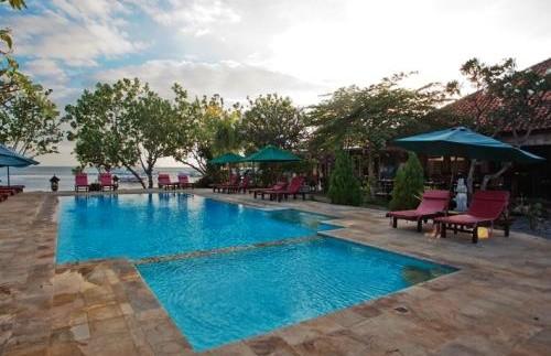 Swimmingpool am Hotel in Pemuteran