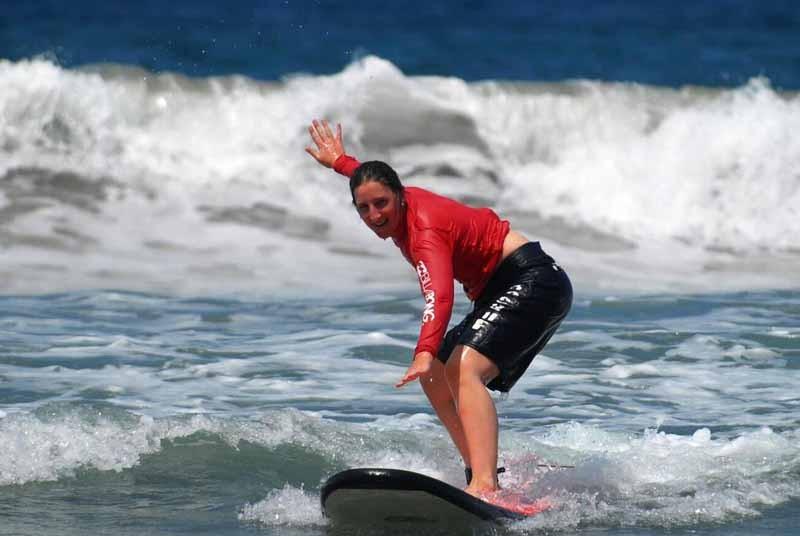 Surfen-lernen-bei-Balangan