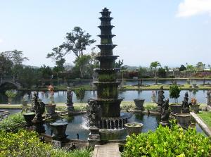 Der Tirtagangga Wasserpalast