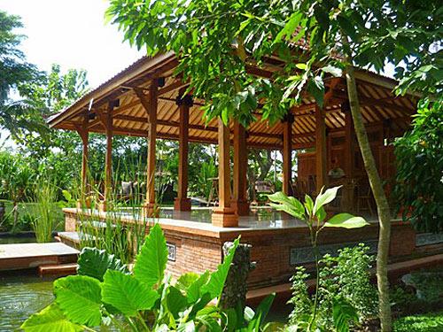 Restaurant im tropischen Garten im Hotel in Ubud