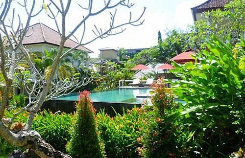 Grüner Garten mit Pool im Zentrum Ubuds