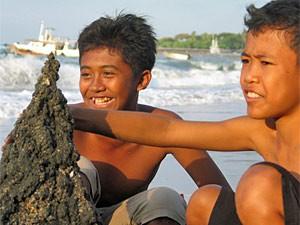 Jungs am strand kennenlernen