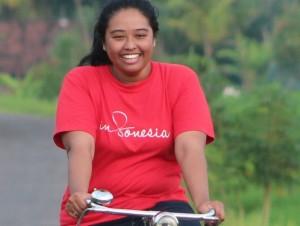 Kundenbetreuerin vor Ort auf Java