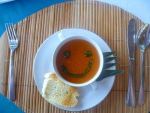"""Eine schmackhafte und """"glückliche"""" Suppe"""