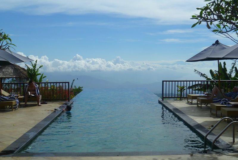Swimmingpool im komfortablen Hotel in Munduk