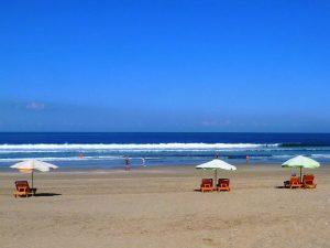Liegen am Strand bei Sekotong