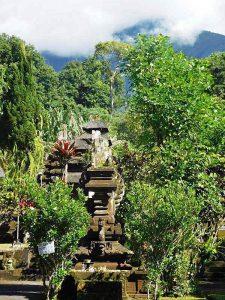 Dschungeltempel Batukaru