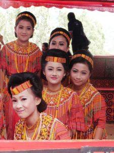 Familie aus dem Toraja Stamm auf Sulawesi.