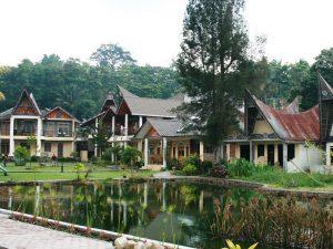 Hotel am Tobasse auf Sumatra.