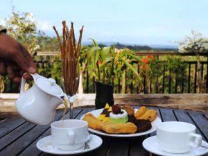 Mit einer Tasse Tee schließen Sie den Spa-Tag ab - 3 Wochen Indonesien