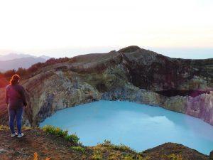 Der Kelimutu Vulkan auf der Insel Flores.