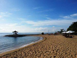 Sanur - ideal für ausgedehnte Strandspaziergänge - Bali Highlights