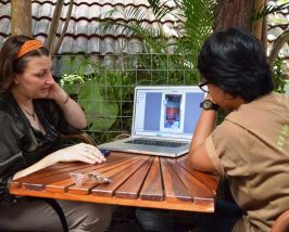 Bildbesprechung beim Fotokurs in Yogyakarta