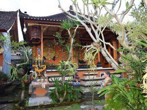Eines der Häuser im Dorf Bangli