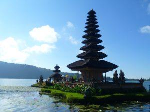 Der Pura Ulun Danu Tempel auf der Insel Bali - Bali Aktiv