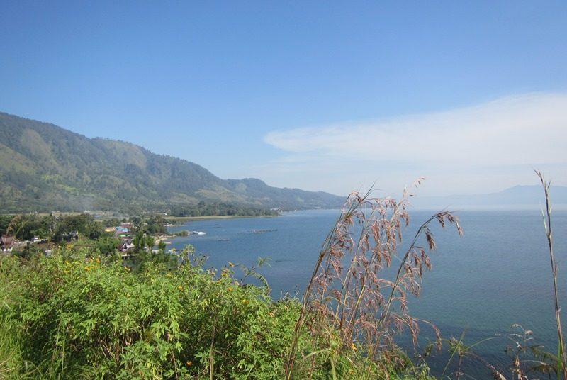 Der Tobasee in Samosir auf der Insel Sumatra.