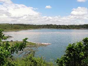 Einer der Momella Seen mit Flamingos
