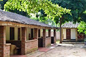 Tansania - Kilimanjaro - einfache, gepflegte Cottages von außen - Rongai Route