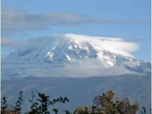 Schneebedeckter Kilimandscharo