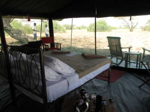 Großzügiges Zelt im Privaten Tented Camp am Lake Natron