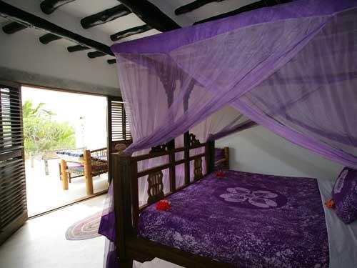 Die Zimmer sind im typischen Sansibar-Stil eingerichtet