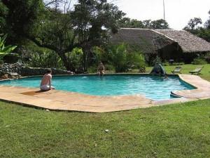 Kenia Tansania Unterkunft mit Pool Lodge