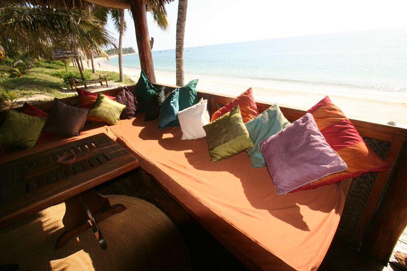 Komforthotel Strandurlaub Tansania Lounge Pool