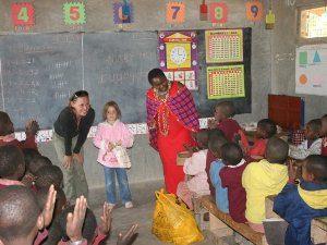 Besuch der Schule bei dem Camp