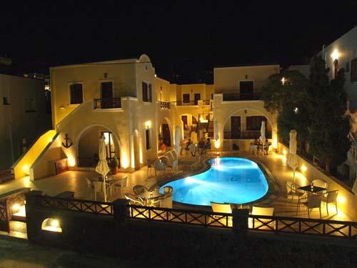 griekenland kids santorini kamari zwembad