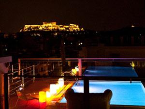 Ontdek Athene met kinderen - zwembad bij je hotel