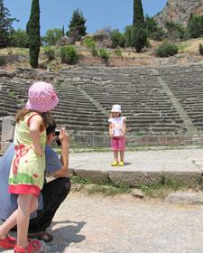griekenland kids delphi foto
