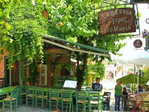 Ontdek Athene met kinderen - taverne aan de Plaka