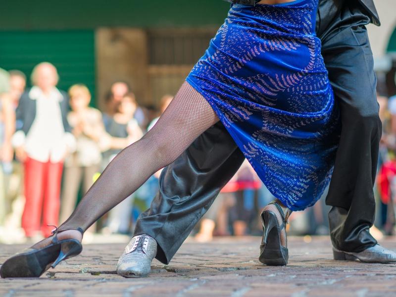 Tangotänzer auf den Straßen San Telmos