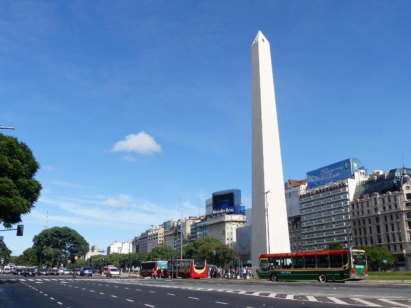 Der Obelisk in der Straße des 9. Juli