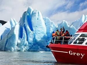 bootsfahrt-zum-gletscher-grey-torres-del-paine
