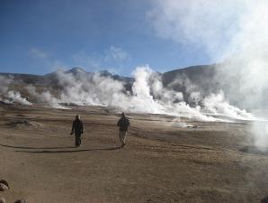 Chile Rundreise 3 Wochen - Das hoch gelegene Geysirfeld erkunden