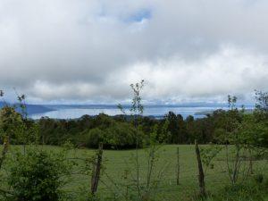 Chile Puyehue - Blick über den Bergen